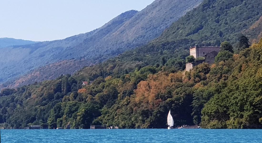 Villa-Riviera-berges-voilier